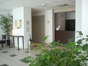 Appart'hôtel - Résidence la Closeraie, Residence  Lourdes - big - 37