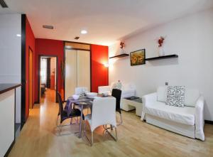 Apartamentos Sol Deluxe Madrid, Apartmány  Madrid - big - 4