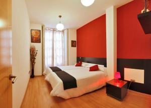 Apartamentos Sol Deluxe Madrid, Apartmány  Madrid - big - 3