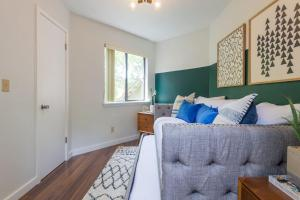 Unique 4BR ATX Home by Domio, Apartmány  Austin - big - 8