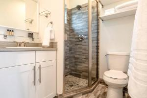 East Side 2 BR Bungalow by Domio, Holiday homes  Austin - big - 13