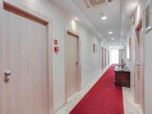 Hotel Caravelle, Отели  Чезенатико - big - 2