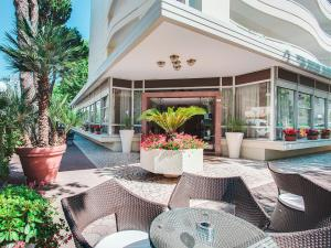 Hotel Caravelle, Отели  Чезенатико - big - 15