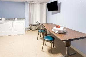 Days Hotel & Conference Center by Wyndham Danville, Hotel  Danville - big - 39