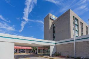 Days Hotel & Conference Center by Wyndham Danville, Hotel  Danville - big - 1