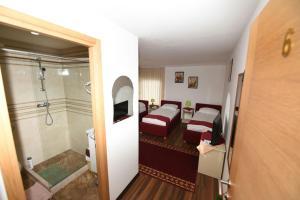 B&B Pansion Otoka, Bed & Breakfast  Sarajevo - big - 16