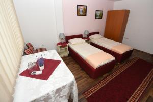 B&B Pansion Otoka, Bed & Breakfast  Sarajevo - big - 23