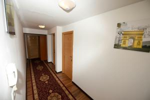 B&B Pansion Otoka, Bed & Breakfast  Sarajevo - big - 30