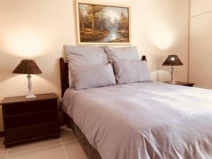 Двухместный номер с 1 кроватью или 2 отдельными кроватями и общей ванной комнатой