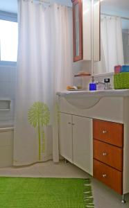 Bright apt, amazing view!, Apartments  Athens - big - 74