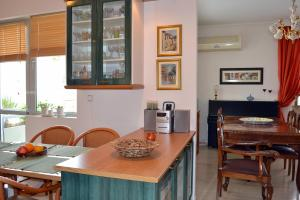 Bright apt, amazing view!, Apartments  Athens - big - 52