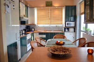 Bright apt, amazing view!, Apartments  Athens - big - 11
