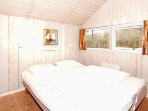 Four-Bedroom Holiday home in Hemmet 2, Nyaralók  Hemmet - big - 5