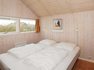 Four-Bedroom Holiday home in Hemmet 2, Nyaralók  Hemmet - big - 7