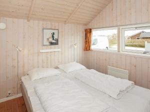 Four-Bedroom Holiday home in Hemmet 2, Nyaralók  Hemmet - big - 10