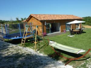 Villa Les Roses Noires, Case vacanze  Singleyrac - big - 16
