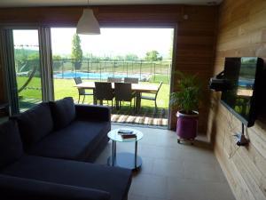 Villa Les Roses Noires, Case vacanze  Singleyrac - big - 15