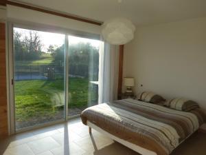 Villa Les Roses Noires, Case vacanze  Singleyrac - big - 9