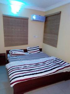 Full Service 3 Bedroom Flats, Apartmány  Ikeja - big - 12
