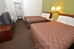 Rodeway Inn and Suites Pendleton