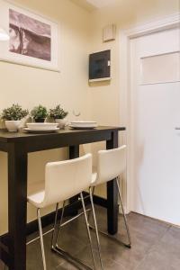 Constantine apartments, Apartments  Athens - big - 15