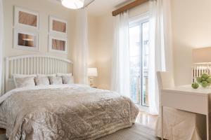 Constantine apartments, Apartments  Athens - big - 11