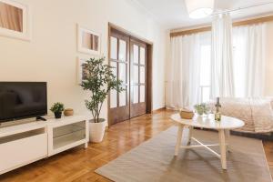 Constantine apartments, Apartments  Athens - big - 9