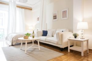 Constantine apartments, Apartments  Athens - big - 4