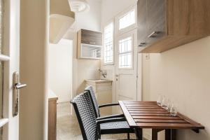 Constantine apartments, Apartments  Athens - big - 25