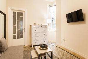 Constantine apartments, Apartments  Athens - big - 22