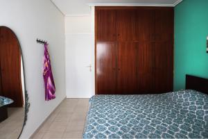 Joyful Turquoise Apt in Athens Historic Centre, Apartmanok  Athén - big - 20