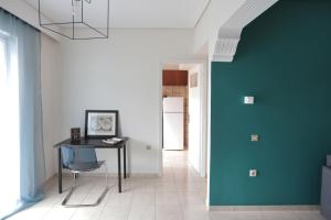 Joyful Turquoise Apt in Athens Historic Centre, Apartmanok  Athén - big - 33