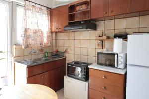 Joyful Turquoise Apt in Athens Historic Centre, Apartmanok  Athén - big - 34