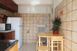 Joyful Turquoise Apt in Athens Historic Centre, Apartmanok  Athén - big - 38