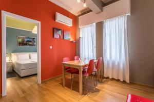 RED Luxury Athens-top sightseeing location, Apartments  Athens - big - 10