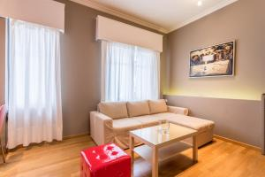 RED Luxury Athens-top sightseeing location, Apartments  Athens - big - 11