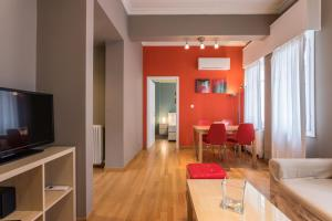 RED Luxury Athens-top sightseeing location, Apartments  Athens - big - 19