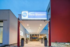 Best Western Smart Hotel, Hotel  Vösendorf - big - 1
