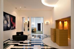 Hotel Marignan Champs-Elysées, Отели  Париж - big - 73