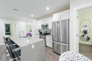 Three-Bedroom on Tremont Street Apt 403, Apartments  Boston - big - 9
