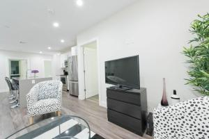 Three-Bedroom on Tremont Street Apt 403, Apartments  Boston - big - 4