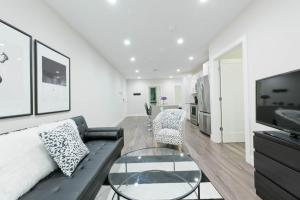 Three-Bedroom on Tremont Street Apt 403, Apartments  Boston - big - 2