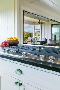 Poipu Beach Estates Home, Prázdninové domy  Koloa - big - 11