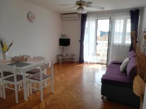 Apartments and Rooms Sara, Vendégházak  Petrčane - big - 18