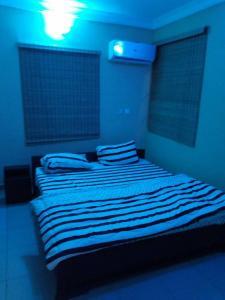 Full Service 3 Bedroom Flats, Apartmány  Ikeja - big - 14