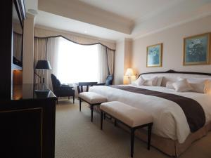 Premium Double Room with Free Lounge Access - Non-Smoking