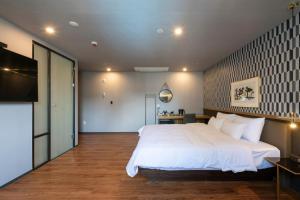 Brown-Dot Hotel Beomcheon, Hotely  Busan - big - 2