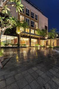 Hotel Adilla Syariah Ambarukmo, Hotels  Yogyakarta - big - 1
