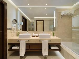 GF Victoria, Hotels  Adeje - big - 5