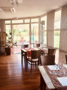 Hôtel Evan, Hotels  Lempdes sur Allagnon - big - 65